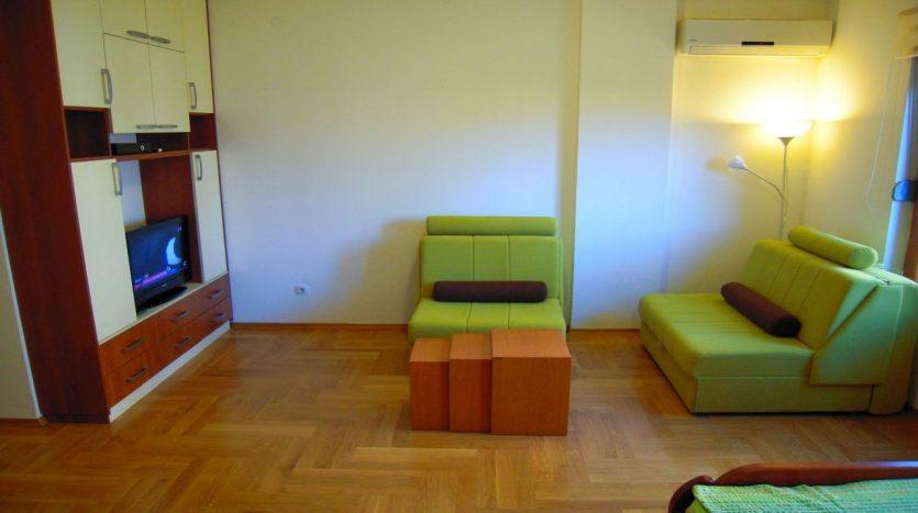 dnevna soba od renta apartmana na dan u Podgorici 04