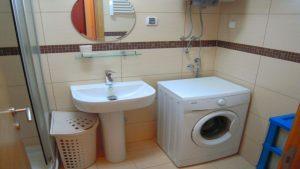 kupatilo od stana na dan u Podgorici 05